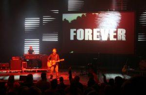 PVP media server and screen control software installation at Chris Tomlin concert with ProPresenter lyrics