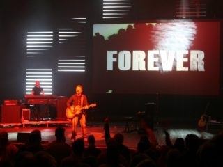 PVP media server and screen control software installation at Chris Tomlin concert with ProPresenter lyrics